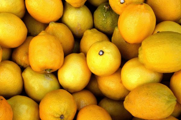 Zitronenwasser gesund oder nicht